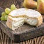 белый сыр с плесенью