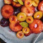 фрукты с бисквитом и маскарпоне